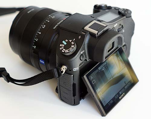 Sony Cyber-shot DSC-RX10 Review- Camera Reviews by