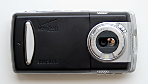 Integrated 3.2 MP Camera